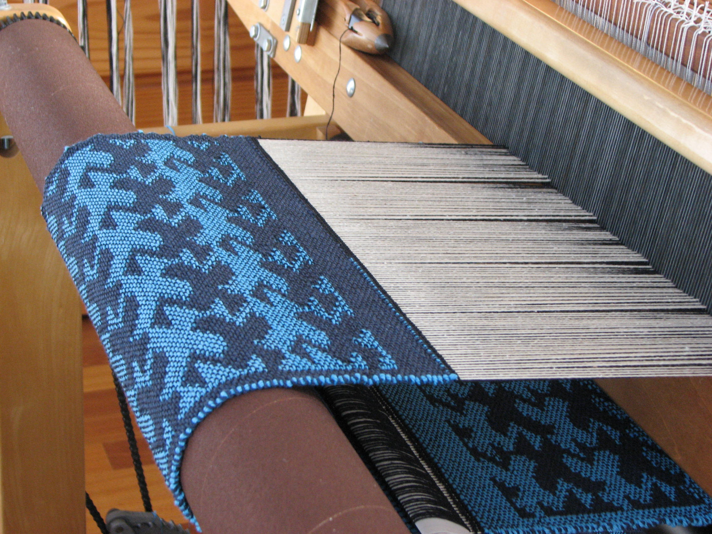 Escher-style Birds on the loom